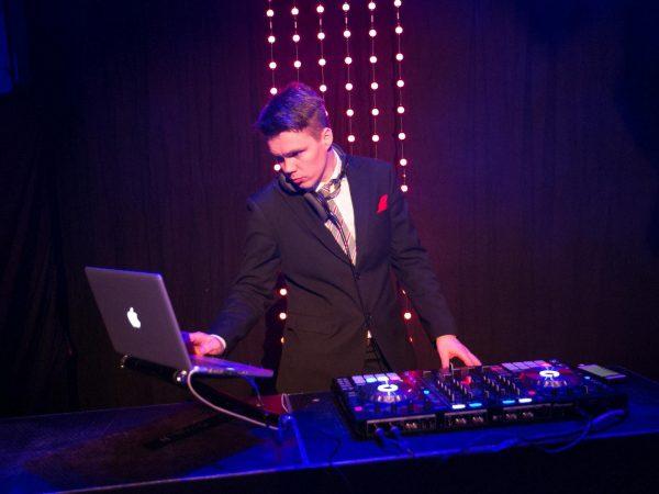 001-DJ-palvelut