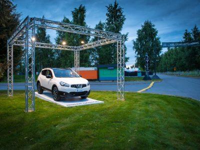 Nissanin esittelystandi Pori Jazzeilla, Kirjuriluoto Arenalla.