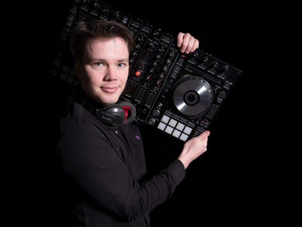 006-DJ-palvelut
