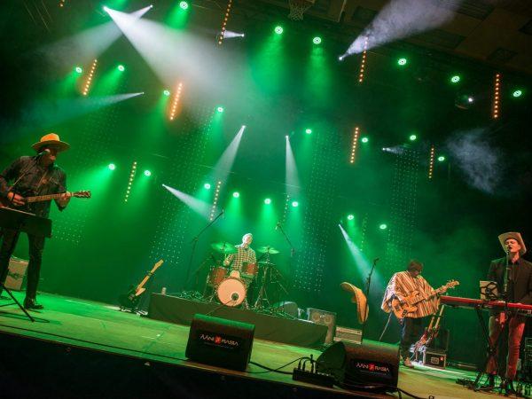 022-Stage_valaistus