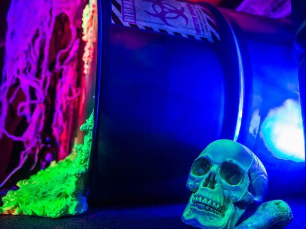 024-Halloween_UV_Black_light