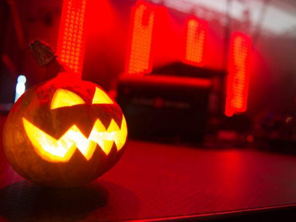 026-Halloween_somisteet_Kurpitsalyhty